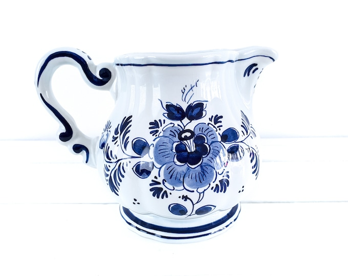 Delft blue pottery water jug handpainted • Delfts vase • Delftware white and blue vase • Delftware pottery • farmhouse style pitcher