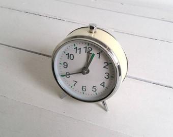 Old alarm clock 'Off white'