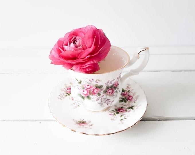 Vintage Royal Albert teacup 'Lavender Rose' * vintage teacup * English China * floral tea cup * cup and saucer