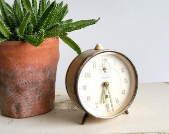 Old alarm clock cream 'Junghans'