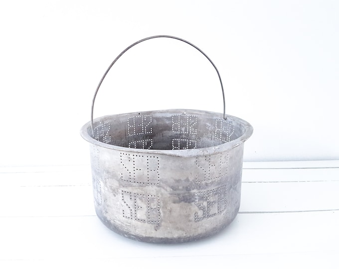 Unique vintage bakery sieve with handle • french farmhouse country colander • old baker sieve • industrial kitchenware