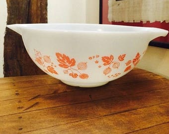 """Pyrex, Vintage, GOOSEBERRY White with Pink Vintage, Pyrex Grip Pour 11"""" Mixing Bowl, Retro Pyrex White Bowl with Pink Fruit and Flowers,"""