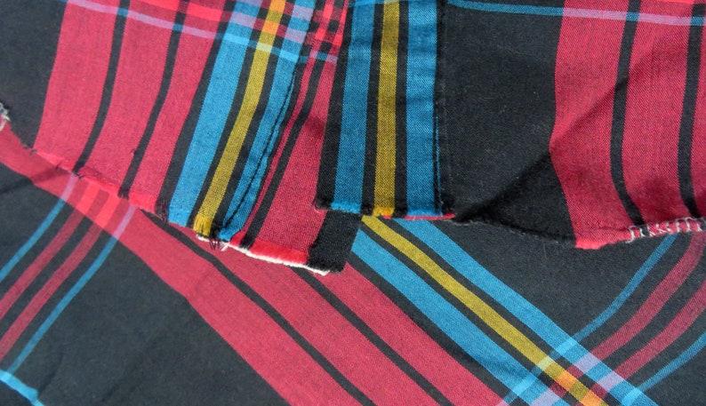 90s Western WRANGLER USA Cowboy Cut Regular Fit X-Long Tail  Shirt Black Red Teal Plaid Black Snap Buttons Curved Hem Chest 48 Neck 17-35 XL
