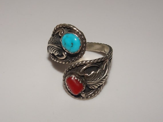 Native ~Tribal Bypass Leaf Decor Silver~Turquoise~Red Coral Ring Size 8.5 **Silver Tested**