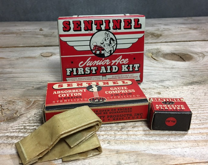Vintage WWII era Sentinel Junior Ace first aid kit tin box with contents