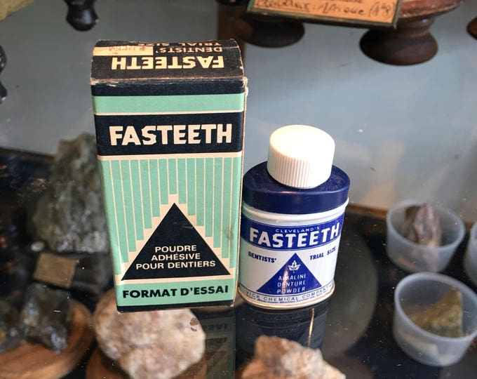 Vintage Fasteeth denture adhesive
