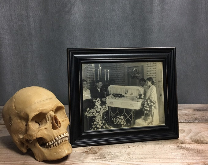 Post mortem child photo funeral coffin