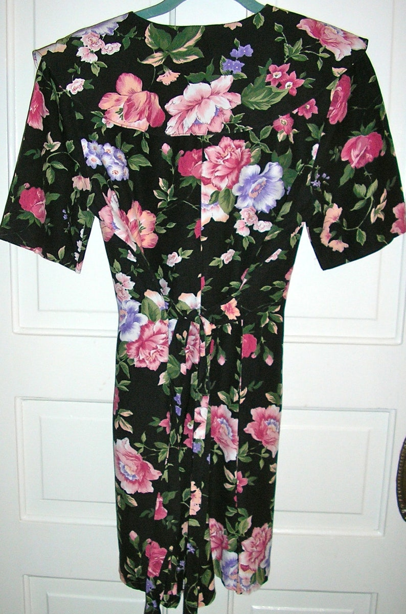 dark floral print sailor collar Vintage 90s floral romper shorts back tie shorts jumpsuit size 9 MINT