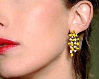 Hand made earrings Wire wrapped cluster earrings Delicate cascade earrings Yellow white bead earrings Bead dangle earrings