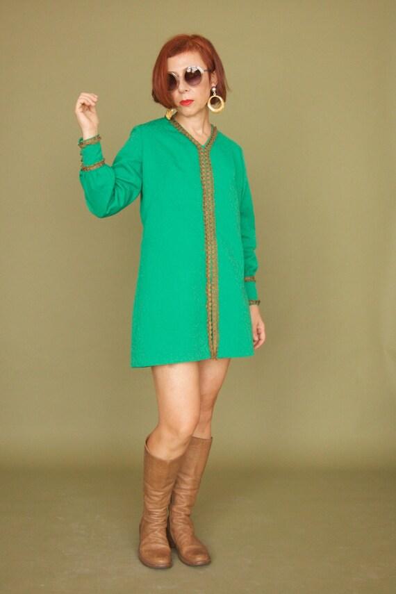 Vintage 60s Kelly green Micro mini dress Mod dress Gogo dress Long sleeve dress Lined dress Hippie Psychedelic micro mini Caterpillars green