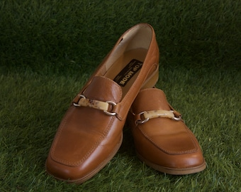 60s70s mod pumps 39 Veronella Top Mode Shoes Tan leather loafers Office pumps Hipster caramel brown loafers Lucite buckles Block heel shoes