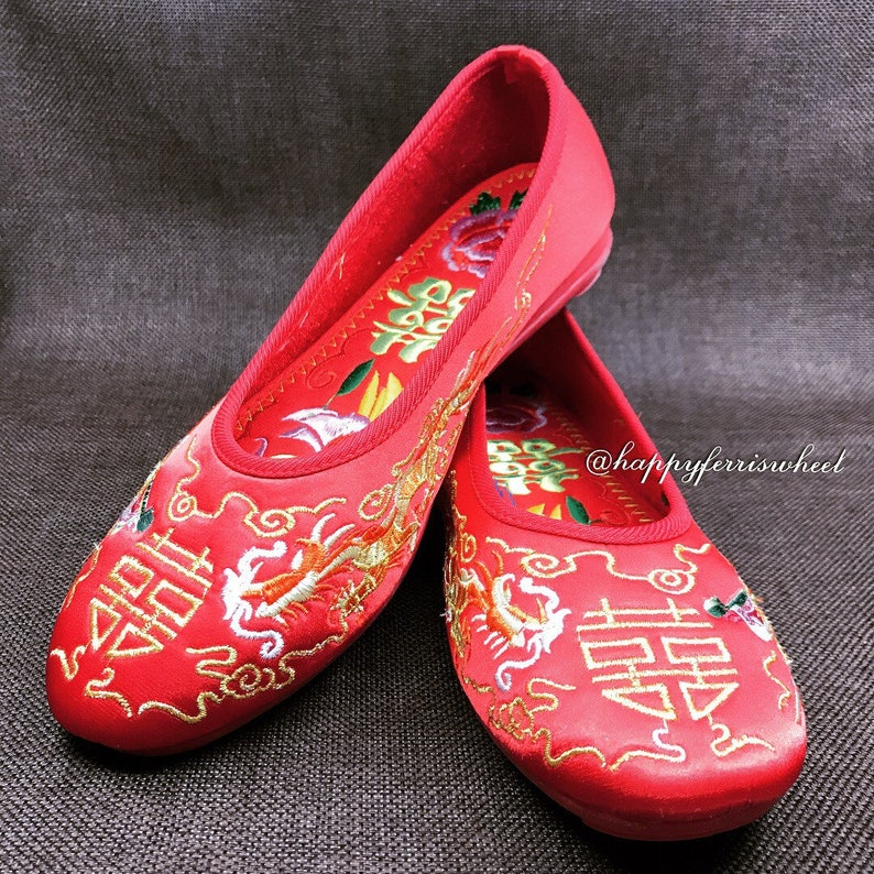 ec0f72236aa Comfy Red bridal Embroidered Shoes Traditional Chinese