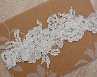 Ivory Garter, Ivory Lace Garter, Wedding Gift Ivory, Garter Set, Ivory Garter Belt, Wedding Garter in Vintage, Boho Wedding, Bridal Garter
