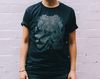 Only 1 left (purple/M) Organic cotton T-Shirt with reflective two herons and 'hidden' floral wolf print