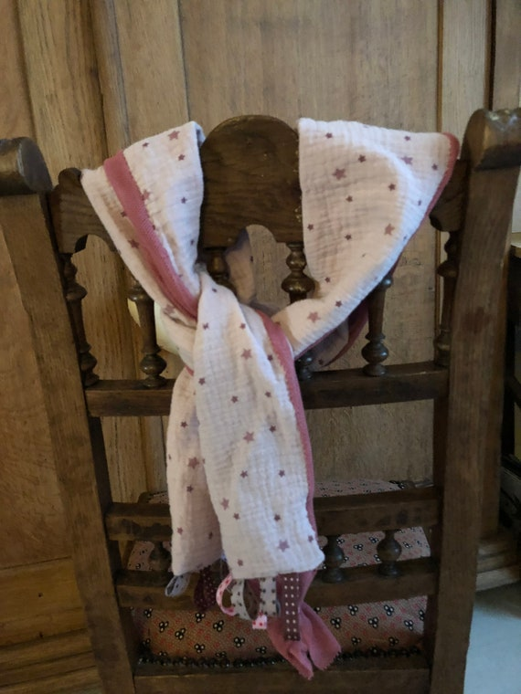 Double gauze scarf and pink tulle