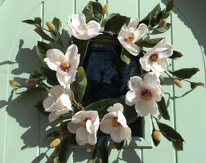 Magnolia wreath - Ivory