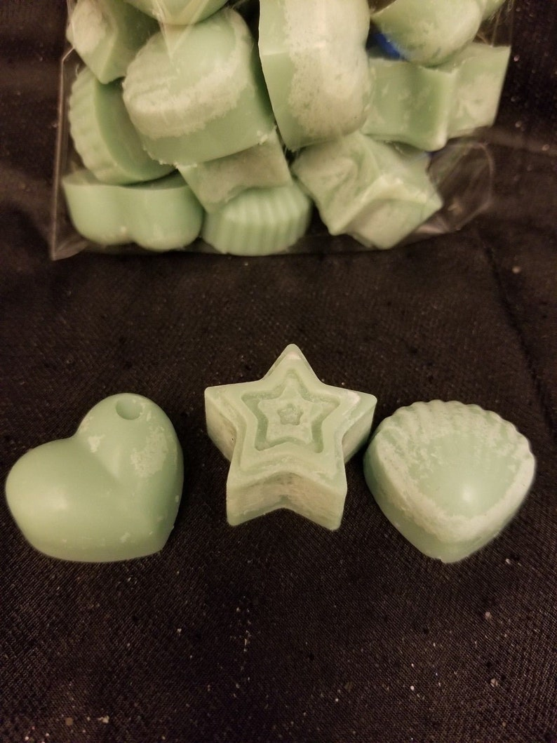 Free ShippingFree Gift Flame-less Soy Wax MeltsWax Tarts Choose Your Custom Quantity and Scent!