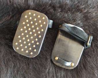 Hand Protector Paddle - Spiked