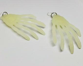 Wholesale Halloween Glow in the Dark Skeleton Hands 5 Packs