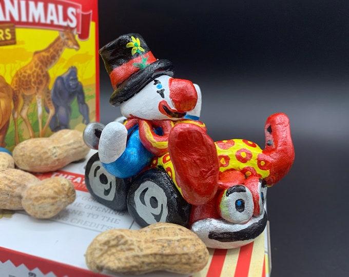 Circus Car Clown Office Desk Accessories Funny Unique Sculpture Shelf Decor Nursery Sculpture Abstract Sculptures Modern Display Artwork