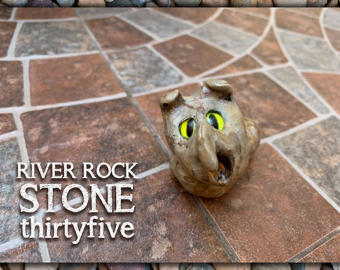 River Rock Stoned People 35 Desk Pal