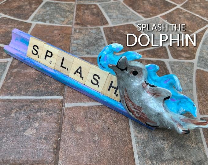 SPLASH Dolphin Scrabble Desk Pal
