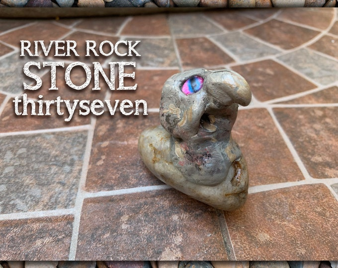 River Rock Stoned People 37 Desk Pal