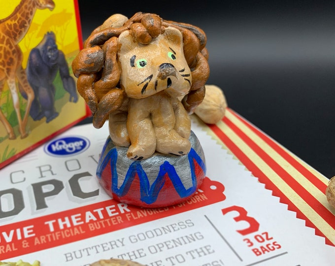 Lil' Circus Lion one Pal