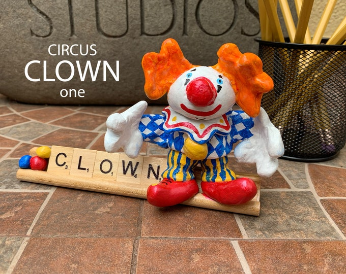 CIRCUS CLOWN Desk Pal