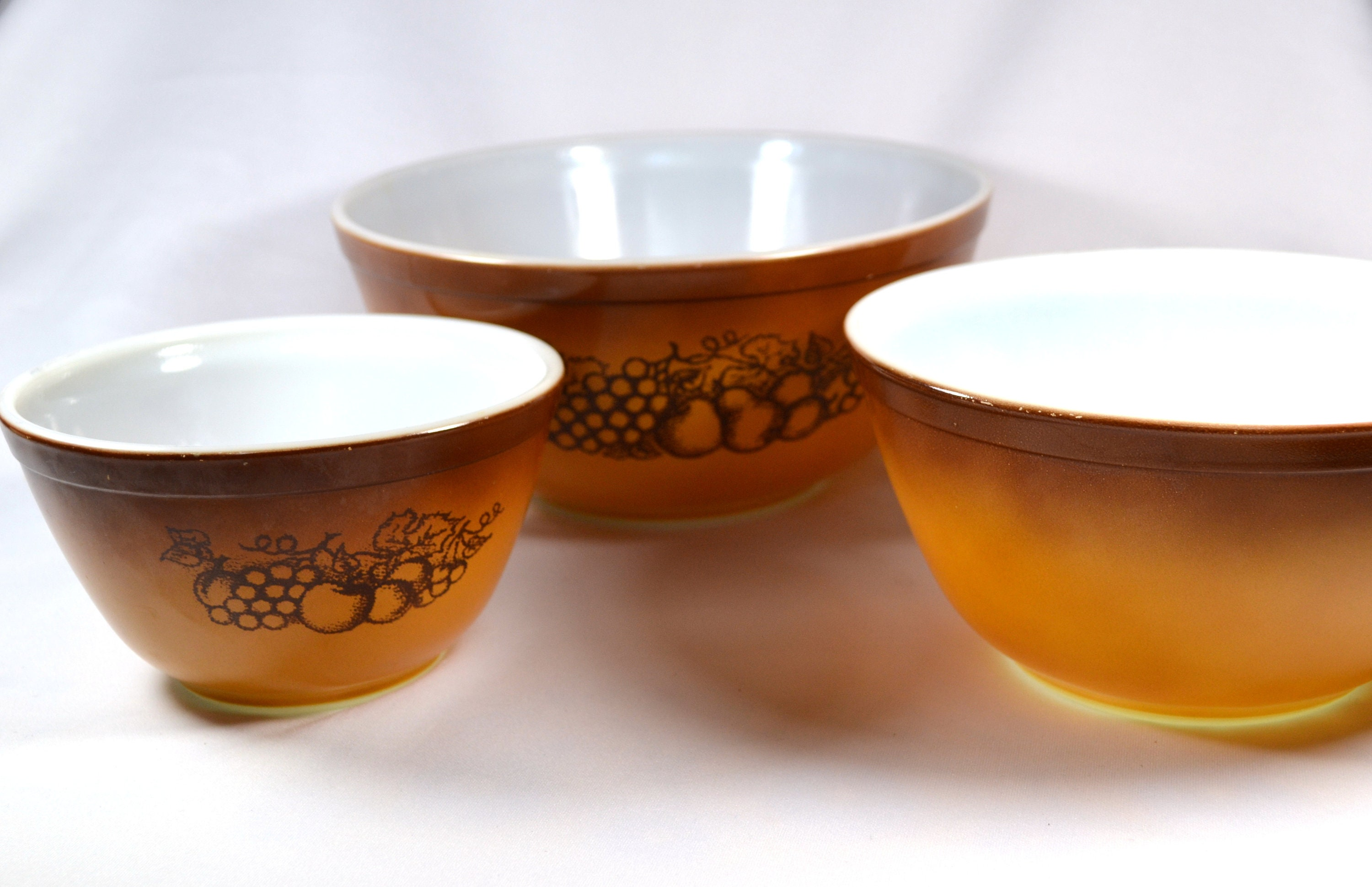 Pyrex Old Orchard Nesting Mixing Bowls, Set of Three, Pyrex 401, 402 ...