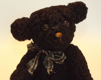 """The Stuffed Menagerie Artist Bear """"Brian"""" by Lisa- Hand Sewn in USA."""