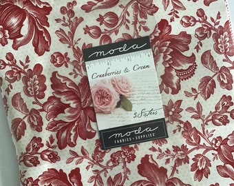 """Cranberries & Cream Layer Cake by 3 Sisters for Moda Fabrics, (42) 10"""" Precut Cotton Quilt Squares in a Red and Cream Color Palette"""