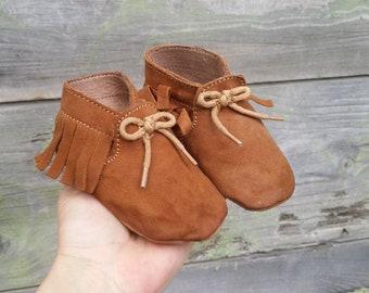 fc5d6441b2ab3 Chaussons et bottines pour garçons - Vintage