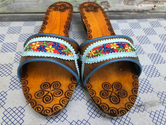 Vintage Wooden Slippers, Women Slippers, Embroide… - image 5