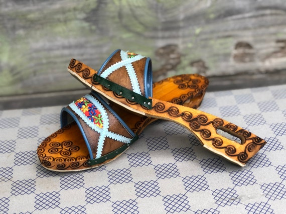 Vintage Wooden Slippers, Women Slippers, Embroide… - image 2