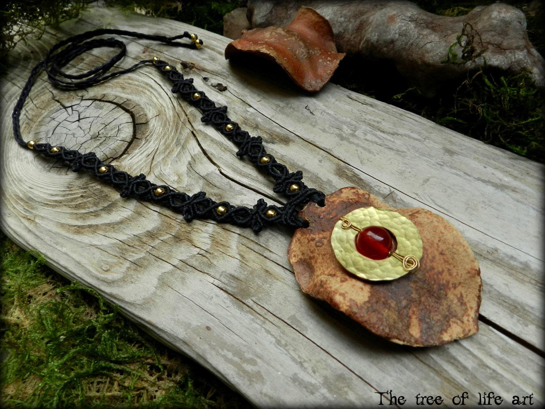 jacaranda makramee halskette mit rotem jade stein messing etsy. Black Bedroom Furniture Sets. Home Design Ideas