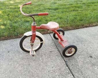 8c2dd223643 Vintage Garton Tricycle
