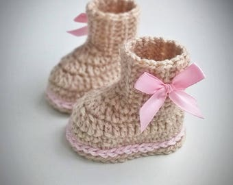 Baby girl booties, Crochet Baby Boots, baby girl shoes, beige baby booties, Crochet Baby Booties, Baby shower, boots with bow, baby shoes