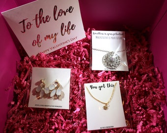 Valentines Day Gift Box For Women Birthday Basket Long Distance Care Package Her Gifts Under 30