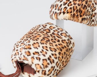 998a4ed0a5 Vintage FAUX Fur Muff and Hat 1947-1964 (post WWII-Early60s) Leopard Print