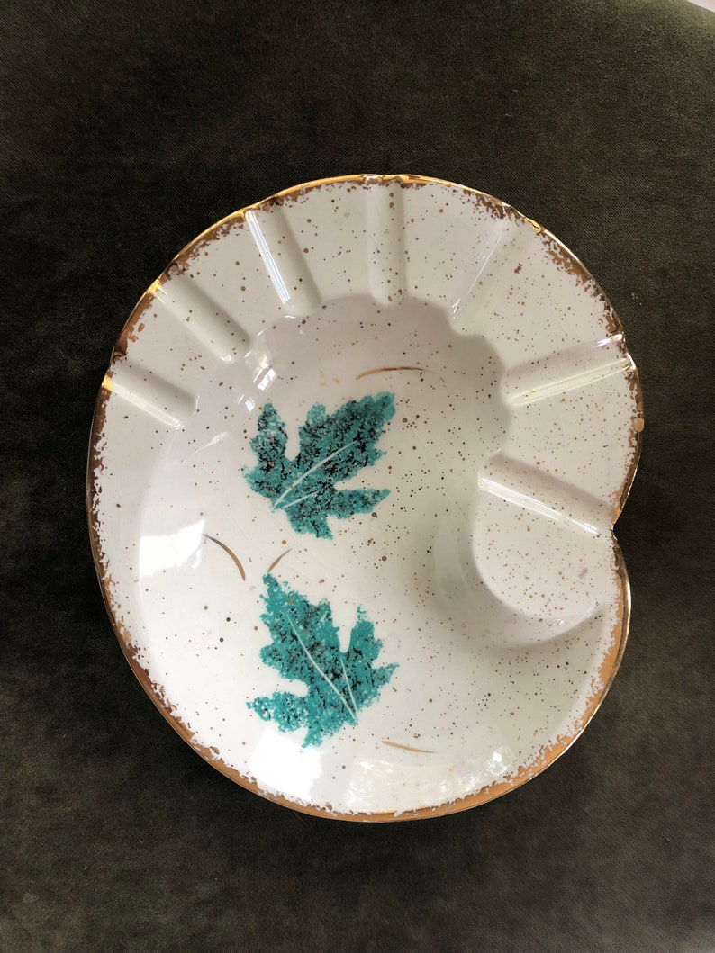 Vintage USA California GOLD speckle green ivy white Ashtray collectible 10 x 8.5
