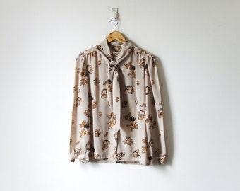 Women/'s M 90s Beige Prairie Floral Bow-Collar Blouse