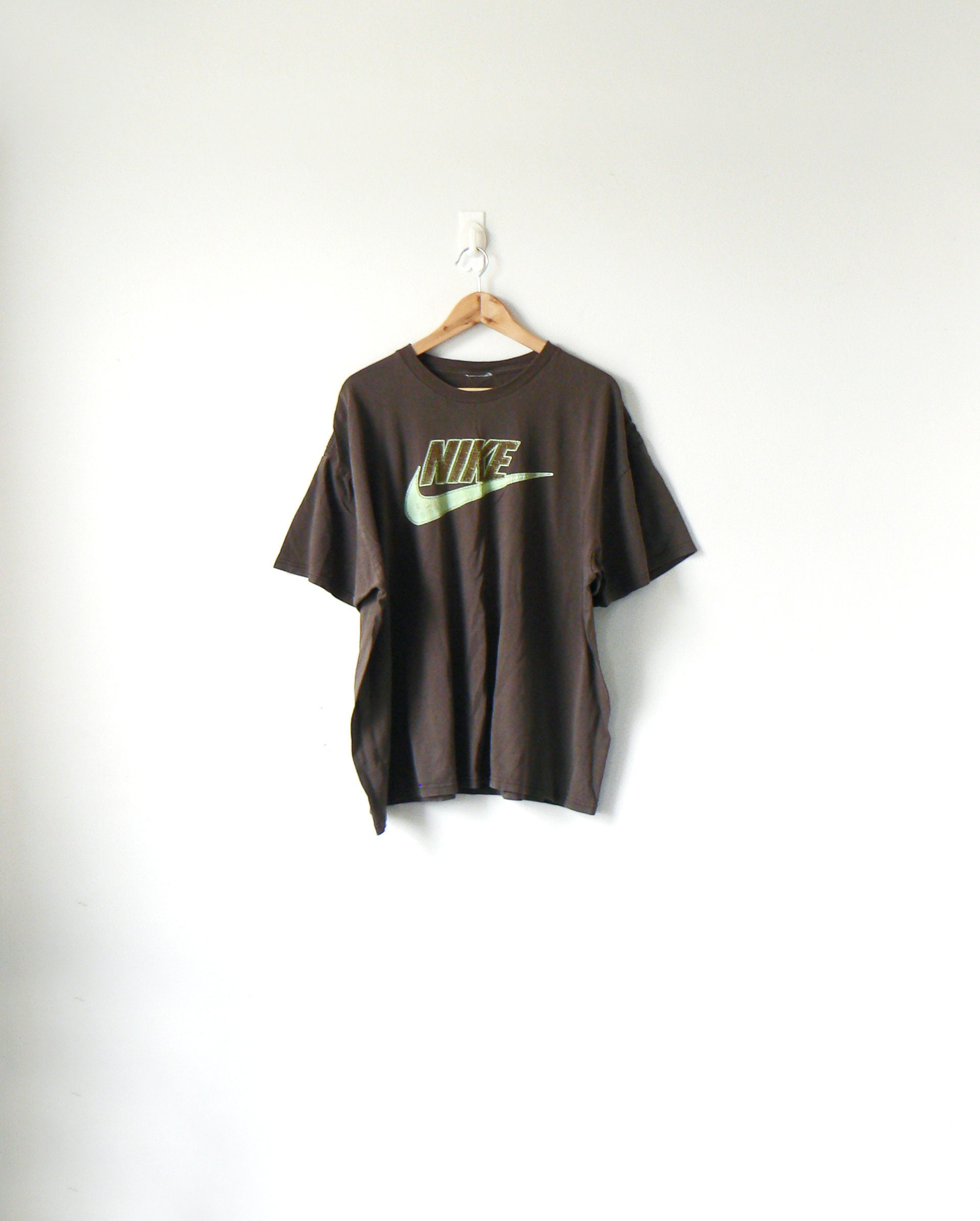 e4eef83f 90s Brown Nike T-Shirt Vintage Nike T-Shirt 90s T-Shirt | Etsy
