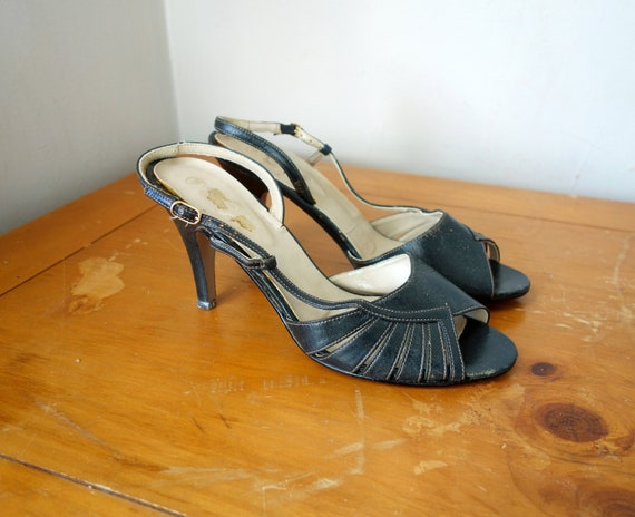 Size 9 // 50s Black Leather Peep-Toe Slingback Pum