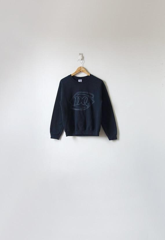 90s Dark Dairy Queen Sweatshirt - 90s Skater - Vin