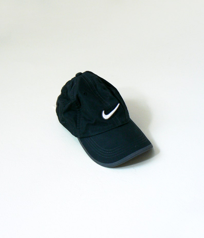 269d441bd 90s Nike Strapback Cap - Vintage Nike Cap - Black Nike Hat - Nike Logo Hat  - Nike Logo Cap - Black Nike Cap - 90s Streetwear - 90s Clothing