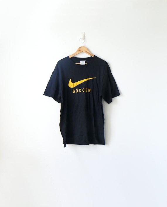 41108cfc0d9 90s Nike Soccer T-Shirt 90s T-Shirt Vintage Nike T-Shirt   Etsy
