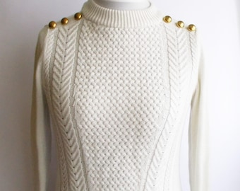 Vintage White Cableknit Sweater, Womens cableknit sweater, Gold button sweater, Classic cableknit sweater,  Gift for her, Size S