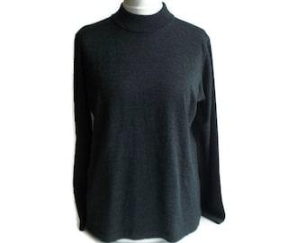 a10407deab890a Vintage womens sweater