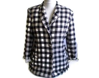 Vintage Womens Blazer, Checked blazer, 80s blazer, White and Navy blazer, Finnish design, Preppy Blazer, Long blazer, Retro blazer, Size M